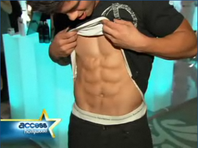 taylor-lautner-abs