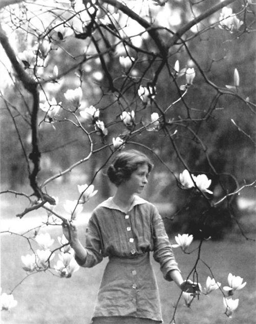 POSTCARD-Photo-Enda-St-Vincent-Millay-1914-Photograph