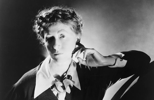 Marianne Moore Moore, Marianne (Poetry Criticism) - Essay
