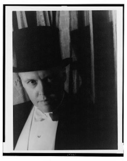 van-vechten-self-portrait-1933-236x300