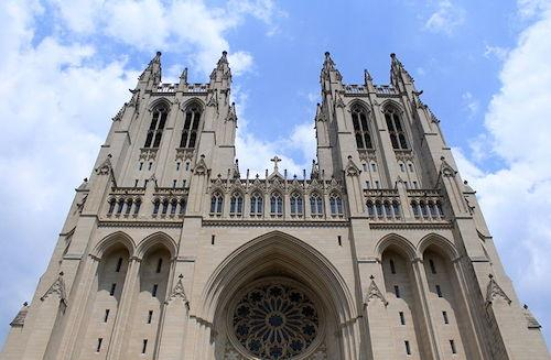 800px-National_Cathedral_Exterior