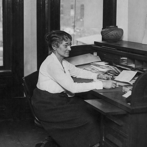 monroe-at-desk