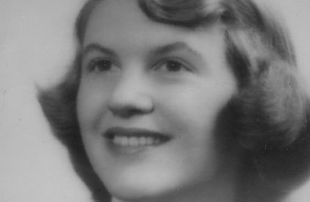 "Poem Analysis of ""Daddy"" by Sylvia Plath : The Poetic Weight of Histor"